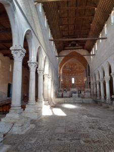 21 Interno Basilica