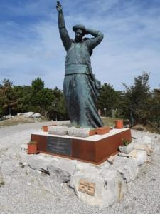 24 Statua di Mons. Santin a Monte Grisa